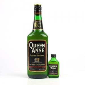 Queen Ann Blended Scotch 1970s / Includes Miniature