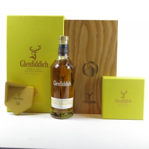 Glenfiddich 1994 Single Cask 20 Year Old / Rum Oak / Includes Clay Stand