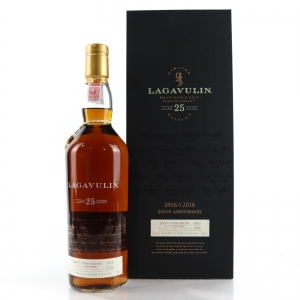 Lagavulin 25 Year Old Bicentenary Edition / including Bag